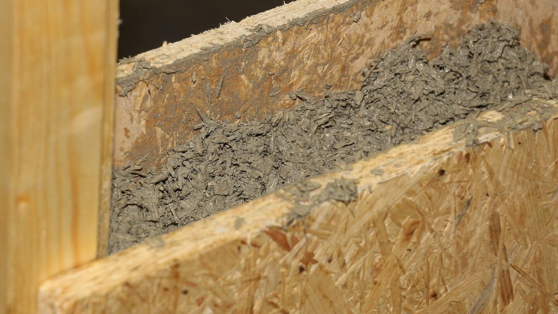 Nicht nur Hanfdämmung aus Hanfwolle isoliert – auch Hanfbeton hat sehr gute Dämmwerte