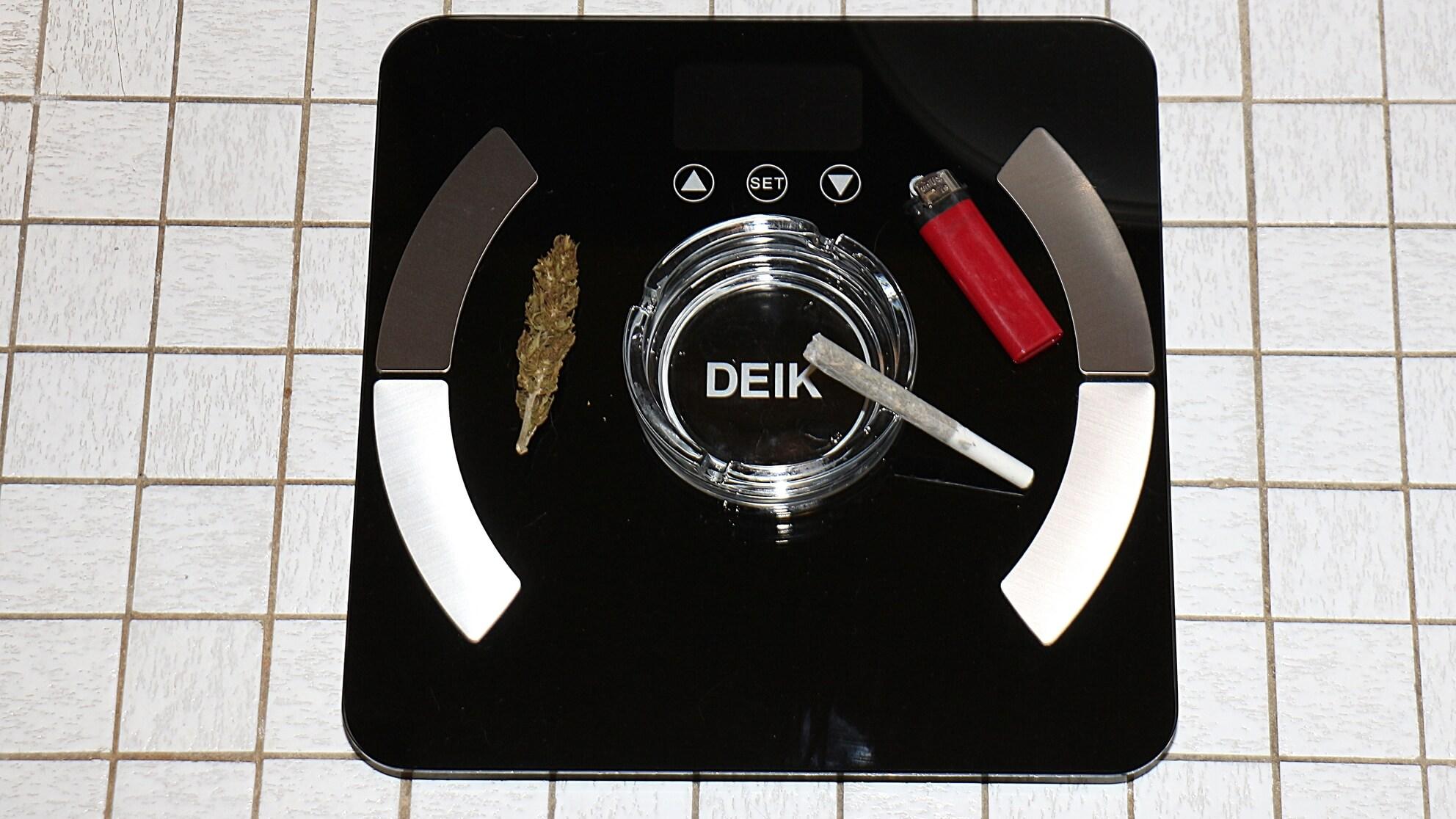 Gewichtsschwankungen mit Cannabis gibt es, sie wirken Unter- oder Übergewicht entgegen