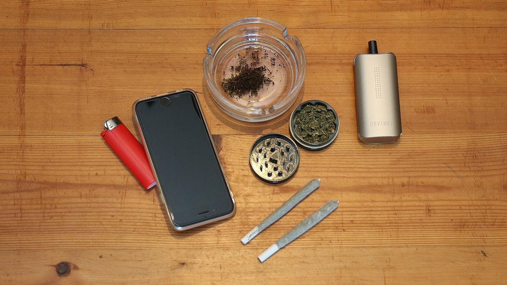 Mit Cannabis Krebs heilen? Diesen Joint rauchen oder den Vaporizer inhalieren allein reicht nicht!